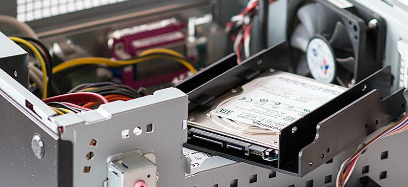 Установить новый жесткий диск в компьютер
