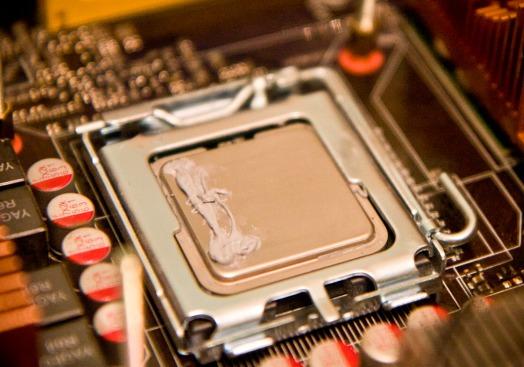 Как правильно наносить термопасту на процессор